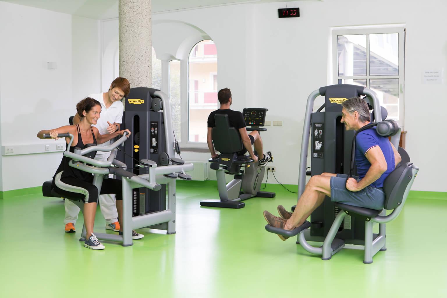 Moderne Geräte für Fitness und Training